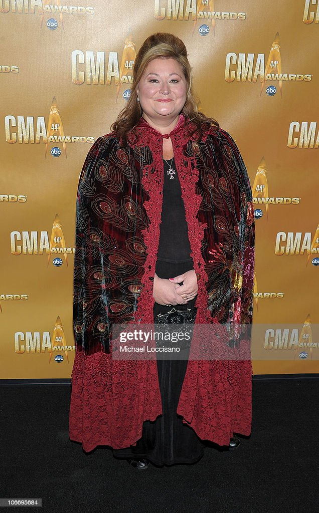44th Annual CMA Awards - Arrivals : News Photo