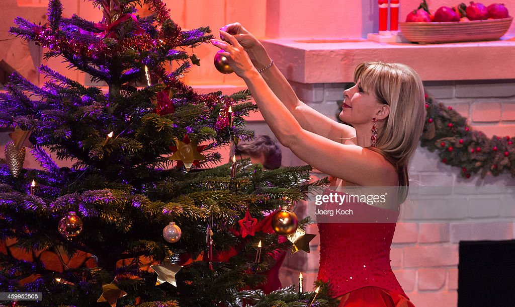 Deborah Sasson attends the TV show 'Die schönsten Weihnachtshits' on December 4, 2014 in Munich, Germany.