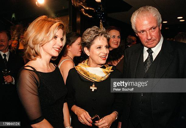 "Deborah Sasson, Dagmar Frederic,;Lebensgefährte Dr. Klaus Lenk, ""Jingle;Bells 99"" Weihnachtsrevue,;Friedrichstadt-Palast, Berlin, Deutschland, Europa,"