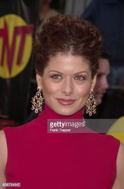 Debra Messing arrives at the 7th Annual Screen Actors Guild Awards