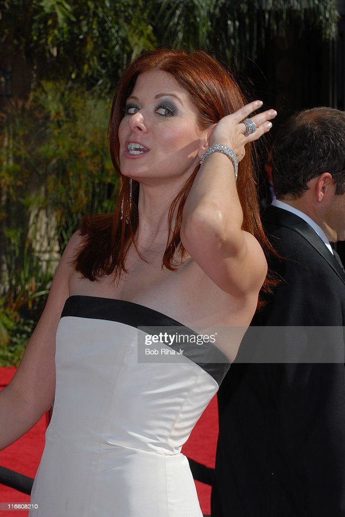 Debra Messing arrives on the red carpet at the 59th Annual Primetime Emmy Awards at the Shrine Auditorium in Los Angeles, California on Sunday, September 16, 2007.