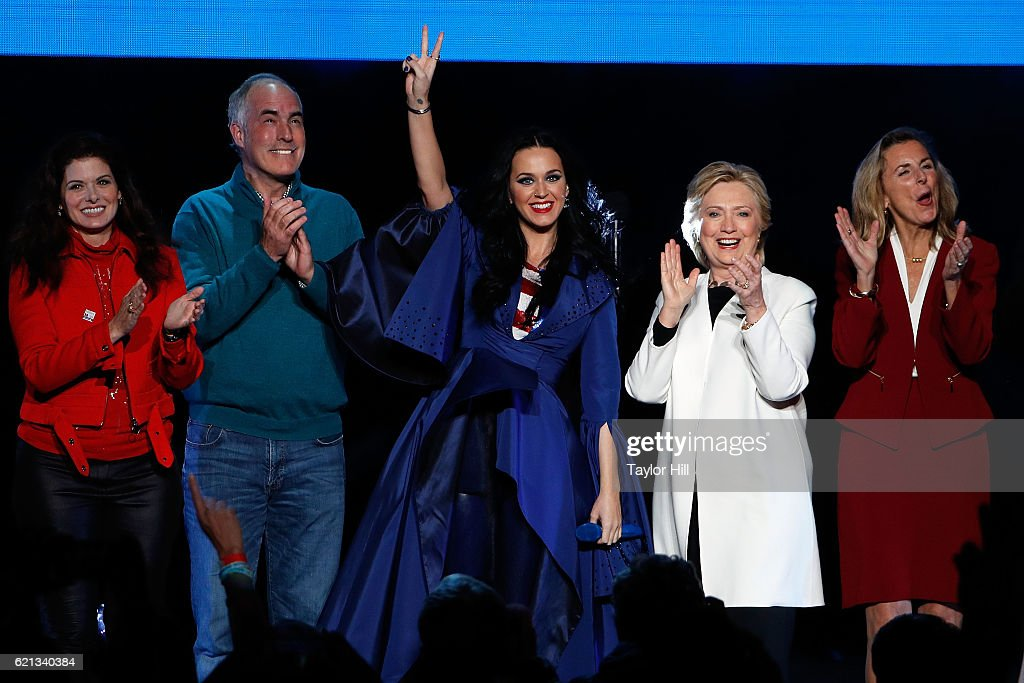 Katy Perry Holds Get Out The Vote Concert In Support Of Hillary Clinton In Philadelphia, Pennsylvania : News Photo