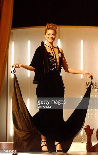 Debra Messing during 2002 VH1 Vogue Fashion Awards Show at Radio City Music Hall in New York City New York United States