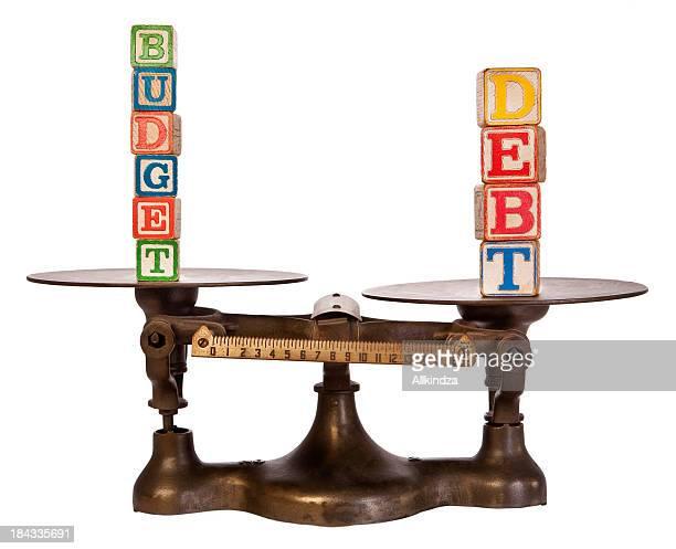 Debito superiore al bilancio su scala antico