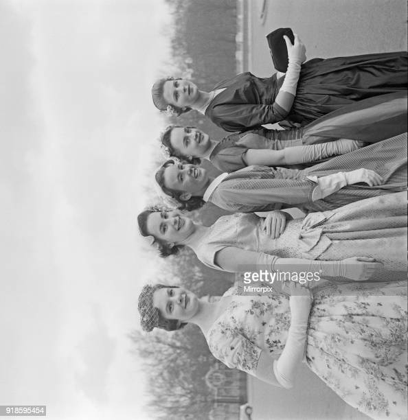 Debutantes at Buckingham Palace. Today, 500 debutantes were presented before the Queen at Buckingham Palace. The debs in this frame are not...