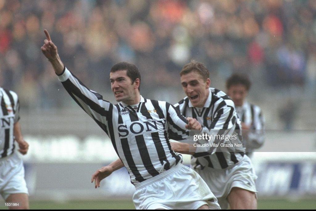 Zinedane Zidane of Juventus and teammate Alen Boksic celebrate : News Photo
