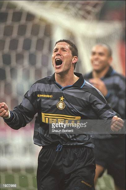 Diego Simeone of Inter Milan celebrates his goal during the UEFA Cup third round second leg match against Strasbourg at the Giuseppe Meazza Stadium...