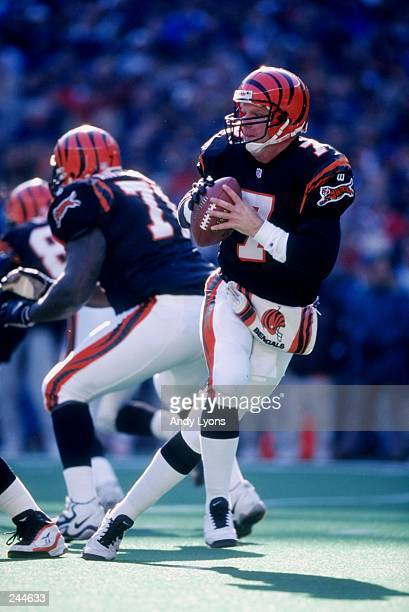 Quarterback Boomer Esiason of the Cincinnati Bengals drops back to pass during the Bengals 3124 win over the Dallas Cowboys at Cinergy Fiedl in...