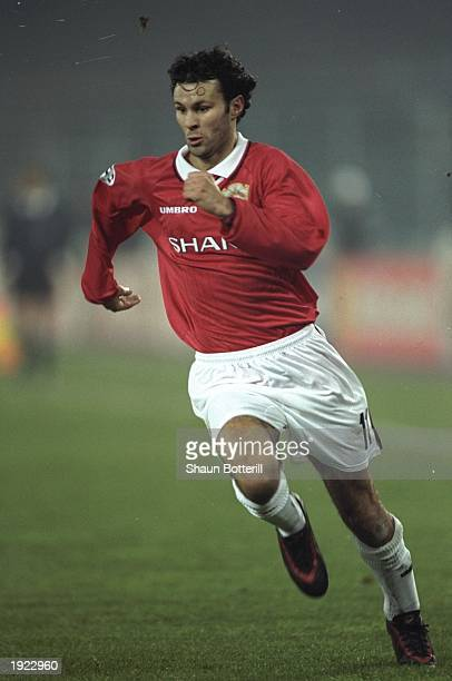 Ryan Giggs of Manchester United in action during the UEFA Champions League match against Juventus at the Stadio Delle Alpi in Turin Italy Juventus...