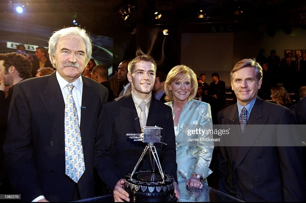 Michael Owen, Des Lynam, Sue Barker and Steve Ryder : News Photo