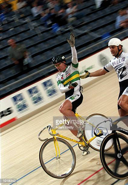 Gary Neiwand of Australia beats Anthony Peden of New Zealand at the Dunc Gray Velodrome during the Oceania international grand prix a SOCOG test...