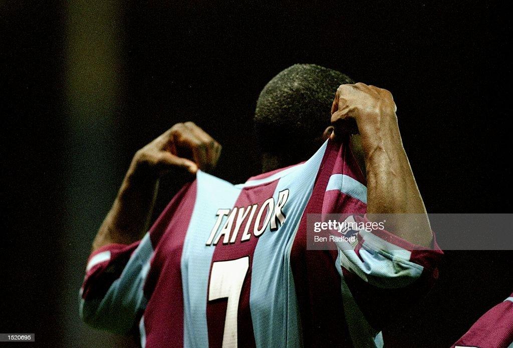 Ian Taylor of Aston Villa : News Photo