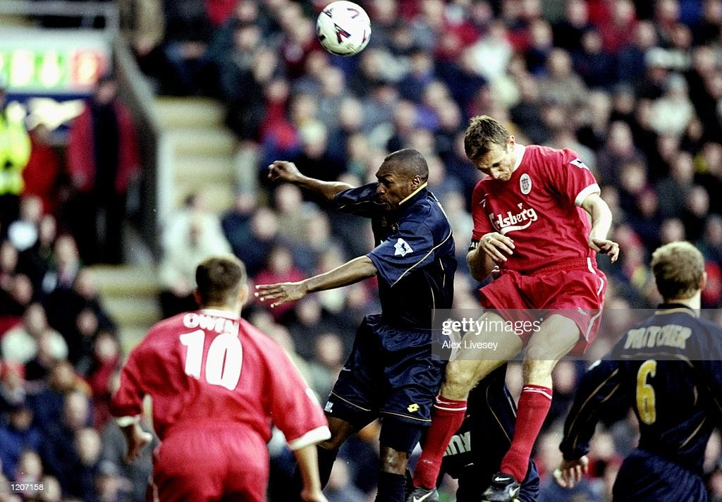 Sami Hyypia and Marcus Gayle : News Photo