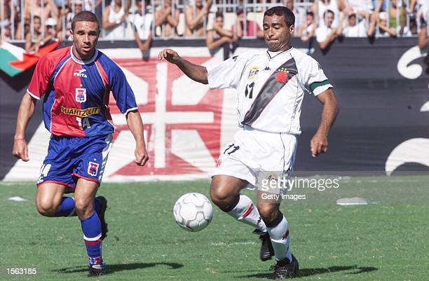 Romario of Vasco De Gama and Ageu of Parana in action during the Brazilian League match between Vasco Da Gama and Parana played at the Sao Januario...