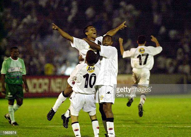 Romario of Vasco De Gama celebrates victory with his team mates during the 43 win over Palmeiras in the final of Mercosul Cup played at Parque...