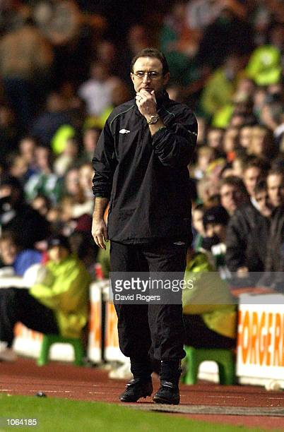 Celtic manager Martin O''Neill looks on axiously during the UEFA Cup third Round second Leg match between Celtic and Valencia at Celtic Park Glasgow...