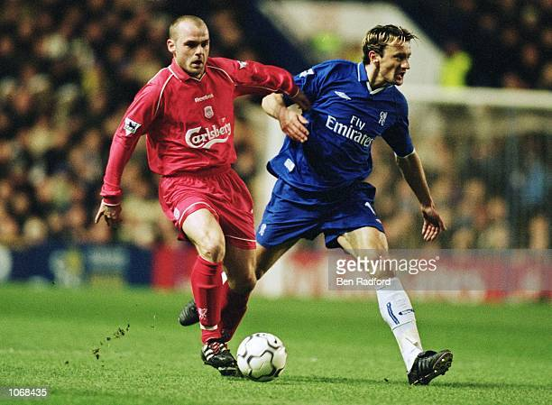 Danny Murphy of Liverpool holds off Mario Stanic of Chelsea in the FA Barclaycard Premiership match at Stamford Bridge in London. \ Mandatory Credit:...