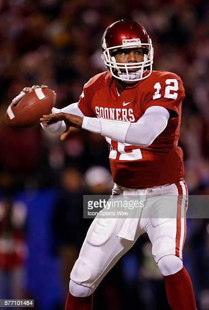 Oklahoma Sooners quarterback Paul Thompson looks to pass the ball against the Nebraska Cornhuskers in the first half during the Big 12 Conference...