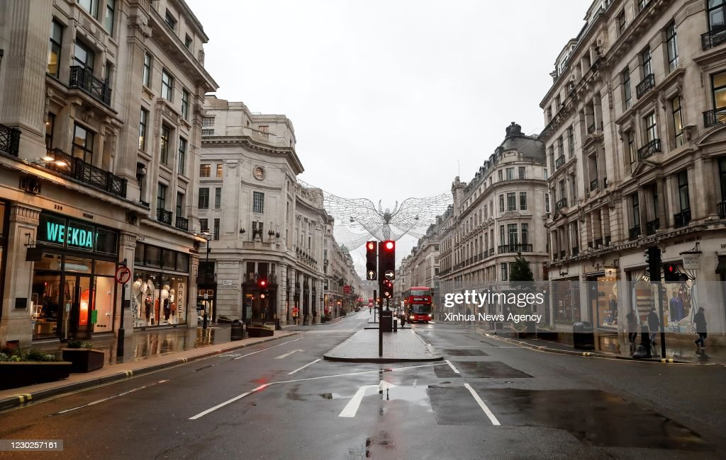 BRITAIN-LONDON-COVID-19-TIER FOUR : News Photo