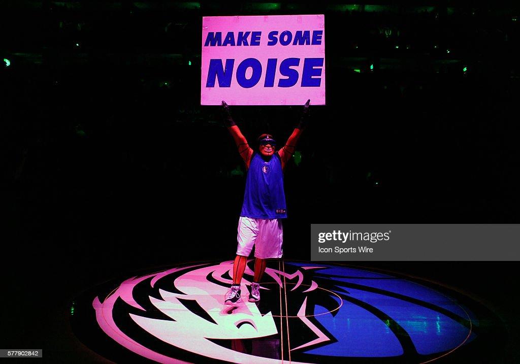 NBA: DEC 07 Warriors at Mavericks : News Photo