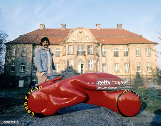 Luigi Colani German designer presents his design for a turbinedriven twowheeler in front of his former residence at Palace Harkotten Photo Horst...