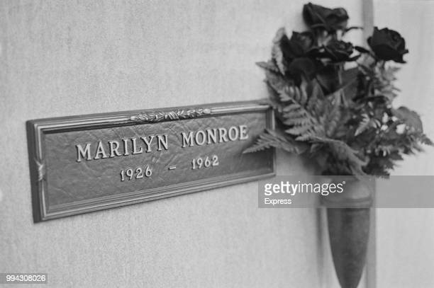 December 1973 view of the memorial plaque on crypt number 24 where the body of American actress Marilyn Monroe was interred following her funeral at...