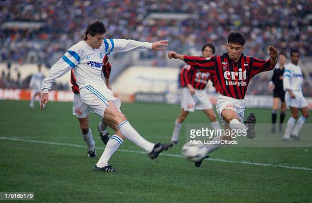 17 December 1989 French Football Marseille v Nice Chris Waddle of Marseille shoots