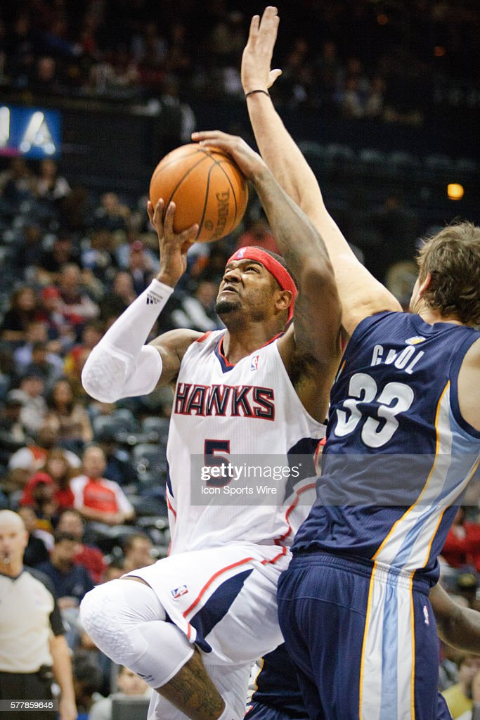 Atlanta's Josh Smith (5) in Atlanta Hawks 112-109 victory over the Memphis Grizzlies at Philips Arena in Atlanta, GA.