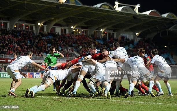 14 December 2013 A general view of a scrum as referee JP Doyle awards a penalty try to Munster Heineken Cup 2013/14 Pool 6 Round 4 Perpignan v...