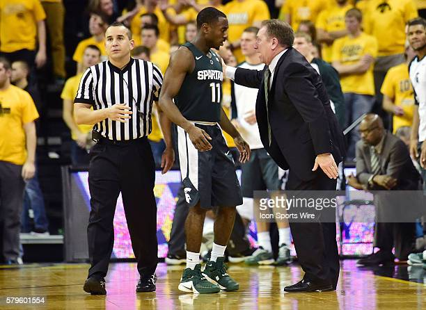 Michigan State Spartans head basketball coach Tom Izzo talks to Michigan State Spartans guard Lourawls Nairn Jr. During a time out in the second half...