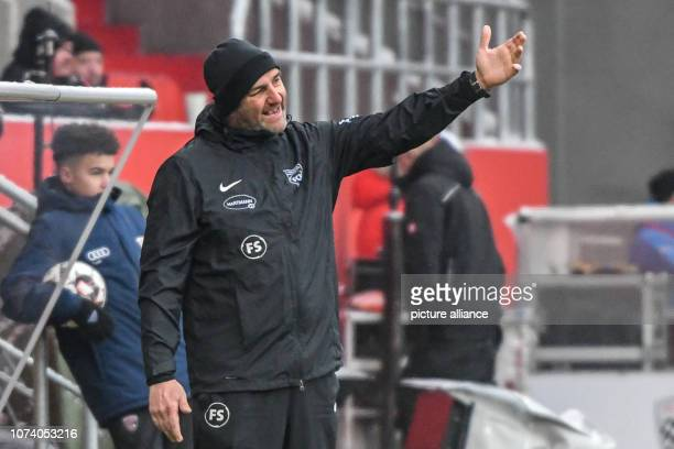 Soccer 2nd Bundesliga FC Ingolstadt 04 1st FC Heidenheim 17th matchday at Audi Sportpark Coach Frank Schmidt von Heidenheim is on the sidelines Photo...