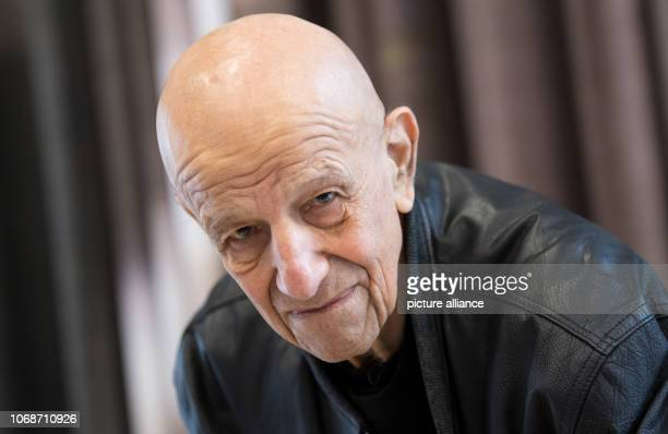The artist Alex Katz takes part in a press conference at the Museum Brandhorst during a press preview of the retrospective 'Alex Katz' The exhibition...