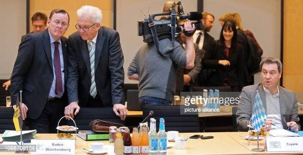 December 2018, Berlin: Bodo Ramelow , Prime Minister of Thuringia, and Winfried Kretschmann , Prime Minister of Baden-Württemberg, meet at the...