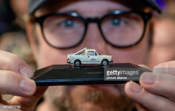 Bjarne Mädel actor and actor of the crime scene cleaner in the NDR television series of the same name shows in Miniatur Wunderland the model of the...