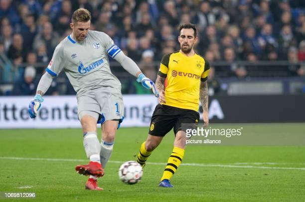 08 December 2018 North RhineWestphalia Gelsenkirchen Soccer Bundesliga FC Schalke 04 Borussia Dortmund 14th matchday in the Veltins Arena Schalkes...