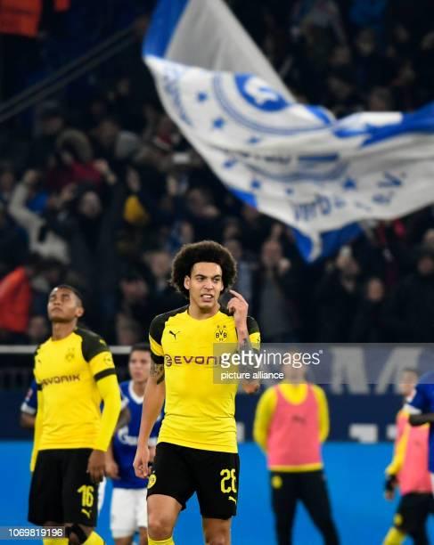 08 December 2018 North RhineWestphalia Gelsenkirchen Soccer Bundesliga FC Schalke 04 Borussia Dortmund 14th matchday in the Veltins Arena Axel Witsel...