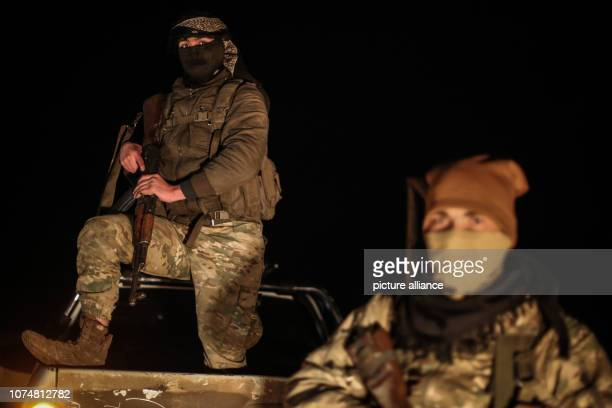Turkeybacked Syrian militia mobilises near Manbij ahead of an assault on the northern Syrien town which is mainly held by Kurdish fighting forces...