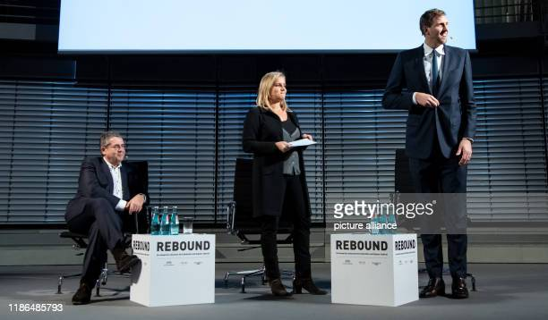 Sigmar Gabriel Chairman of AtlantikBrücke and former Federal Minister as well as SPD Party Chairman and Dirk Nowitzki until recently a successful...