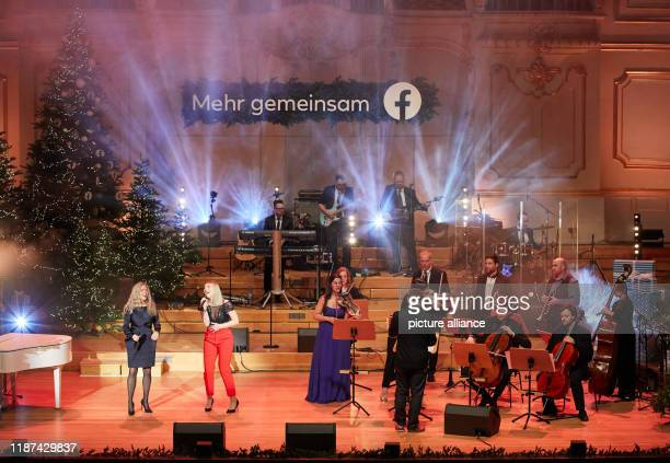Anri Coza and Larissa Pitzen singers and members of the Facebook group String Brass will be on stage in the Laeiszhalle for the world's first...