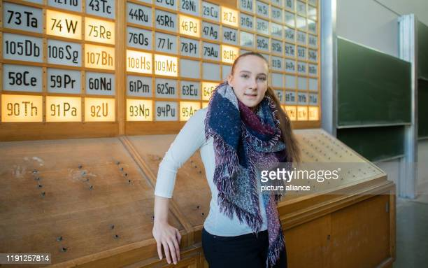 Mandy Hoffmann is sitting in a chemistry lecture hall at the Technical University TU Braunschweig In the summer she passed her Abitur with the best...