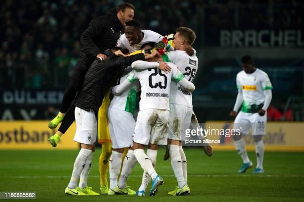 December 2019, North Rhine-Westphalia, Mönchengladbach: Soccer: Bundesliga, Borussia Mönchengladbach - Bayern Munich, 14th matchday in Borussia-Park....
