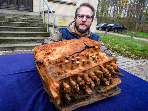DEU: Transfer Of The Enigma Cipher Machine