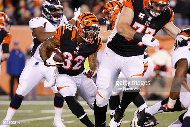 Cincinnati Bengals running back Jeremy Hill runs with the ball during the first quarter of the Benglas 3728 win over the Denver Broncos at Paul Brown...