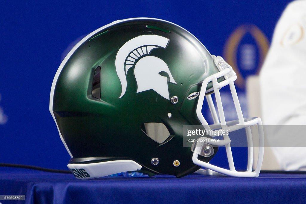 NCAA FOOTBALL: DEC 29 College Football Playoff Semifinal - Cotton Bowl - Media Day - Michigan State : ニュース写真