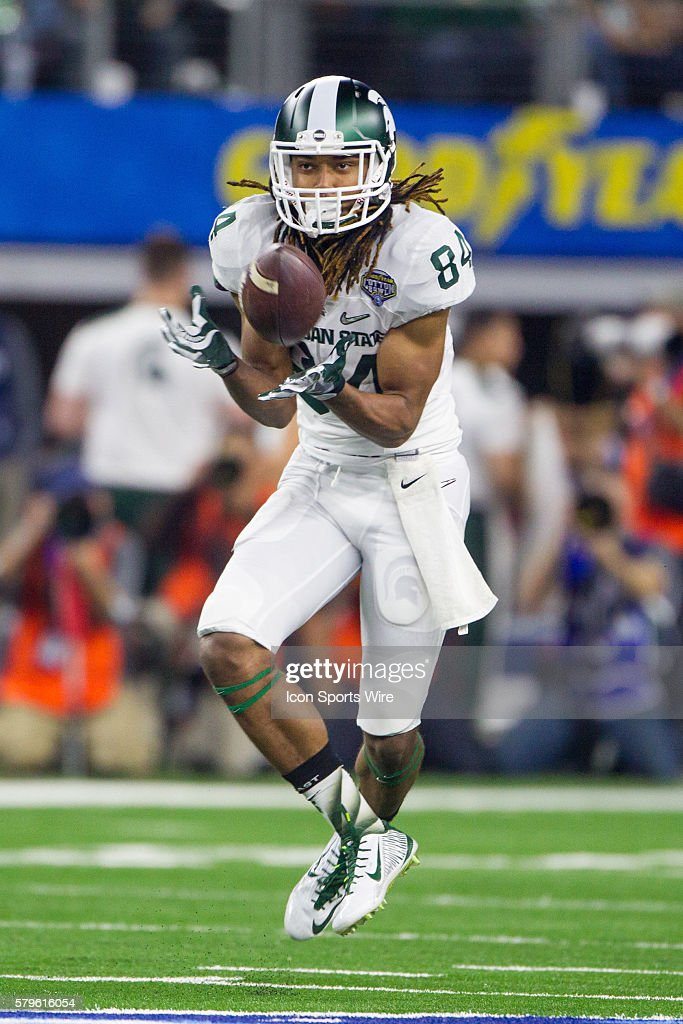 NCAA FOOTBALL: DEC 31 College Football Playoff Semifinal - Cotton Bowl- Michigan State v Alabama : News Photo
