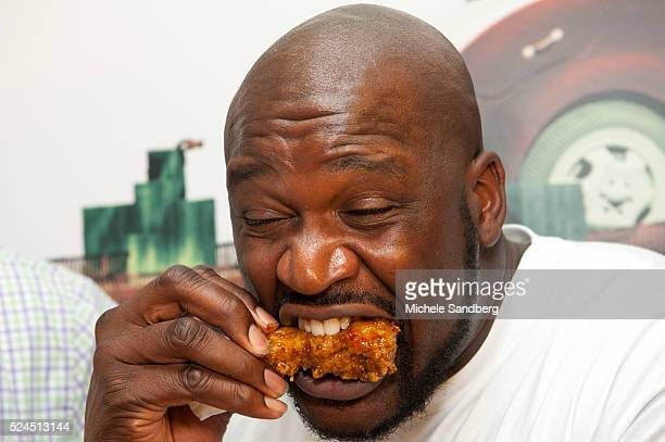 December 7 2012 Basketball Legend SHAQUILLE O'NEAL AT THE Grand Opening Dry Fried Wings At Da Vinci's Pizzeria