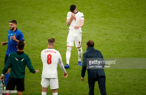 Declan Rice of England looks dejected as he is replaced by Jordan Henderson during the UEFA Euro 2020 Championship Final between Italy and England at...
