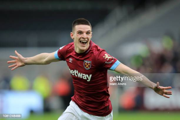 Declan Rice of West Ham United celebrates after scoring his team's first goal during the Premier League match between West Ham United and Arsenal FC...