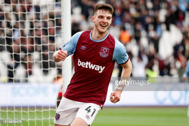 Declan Rice of West Ham United celebrates after scoring his team's third goal during the Premier League match between West Ham United and Southampton...