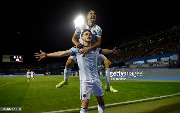 Declan Rice of West Ham United celebrates with Manuel Lanzini after scoring their side's second goal during the UEFA Europa League group H match...